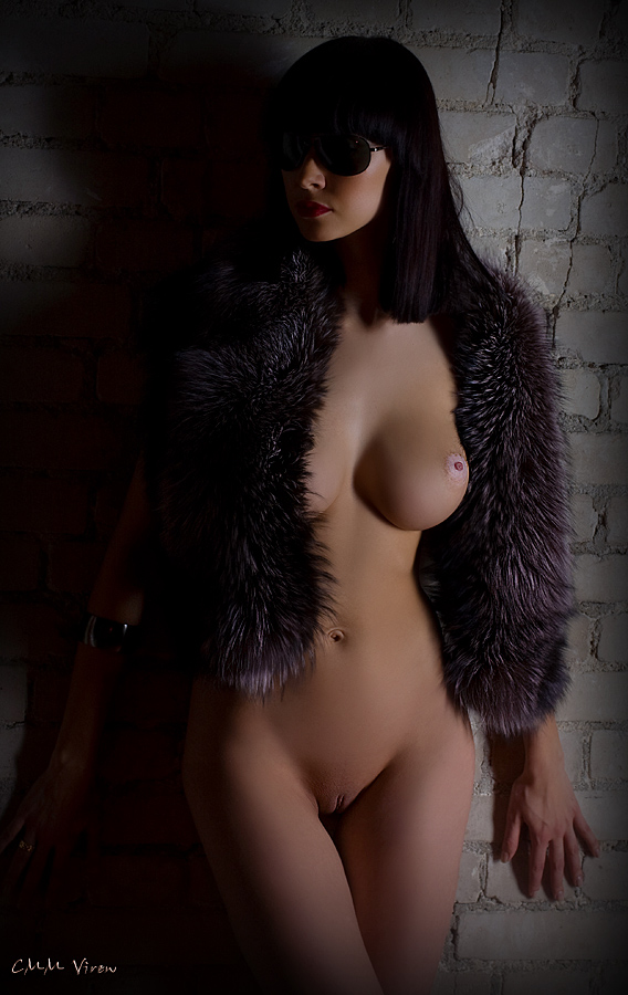 gadinagod_girls_naked_fur_13