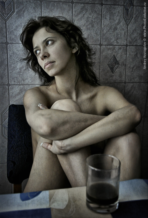 gadinagod_girls_naked_glass_10