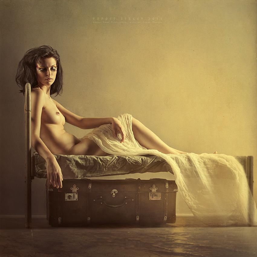 gadinagod_girls_naked_bed_17