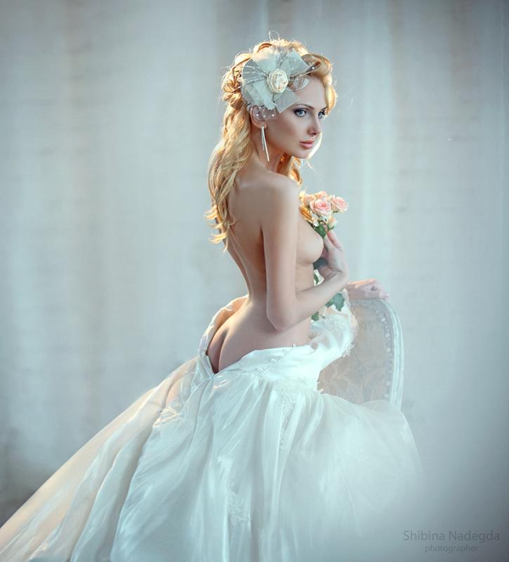 gadinagod_girls_naked_bride_19