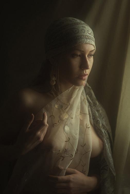 gadinagod_girls_naked_transparent_18