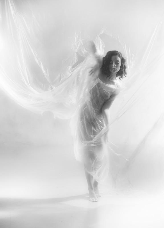 gadinagod_girls_naked_transparent_21