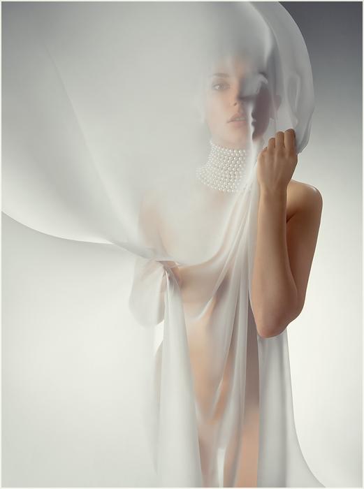 gadinagod_girls_naked_transparent_22