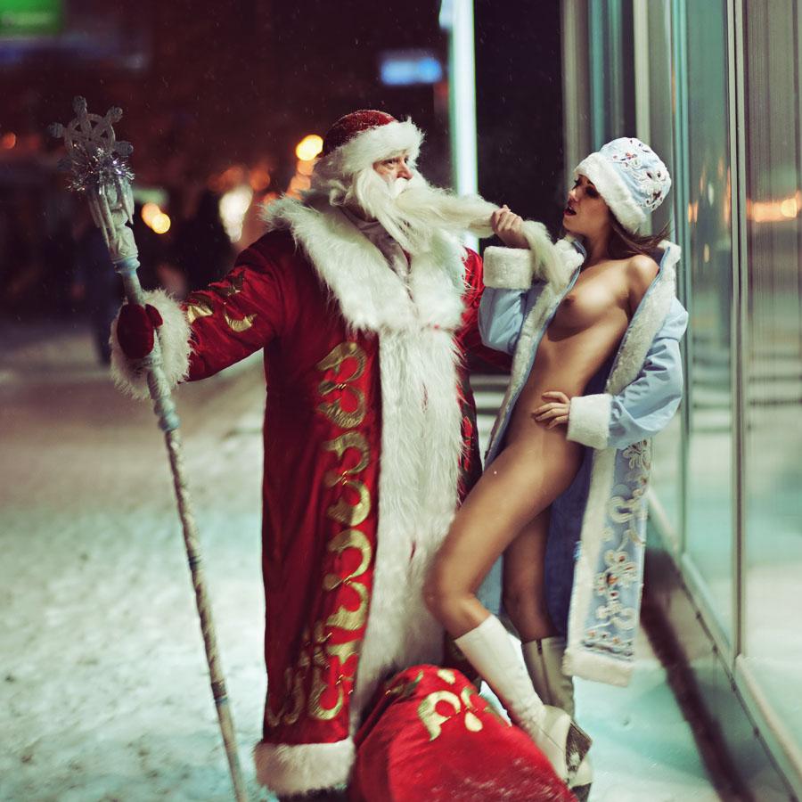 gadinagod_girls_naked_happy_new_year_03