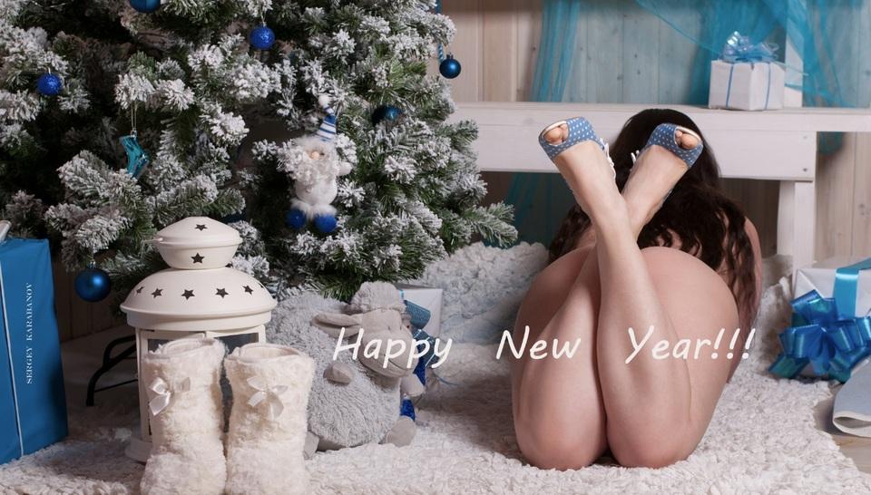 gadinagod_girls_naked_happy_new_year_23