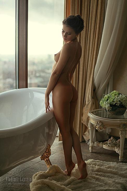 gadinagod_girls_naked_bath_07