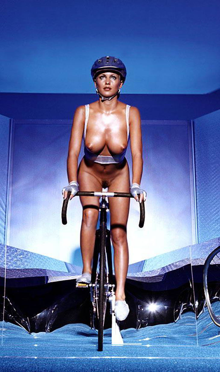 bicycle-girls-pictures-11