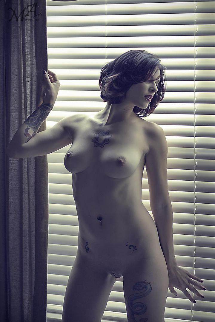 gadinagod_girls_naked_blind_03.jpg