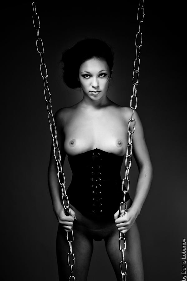 gadinagod_girls_naked_corset