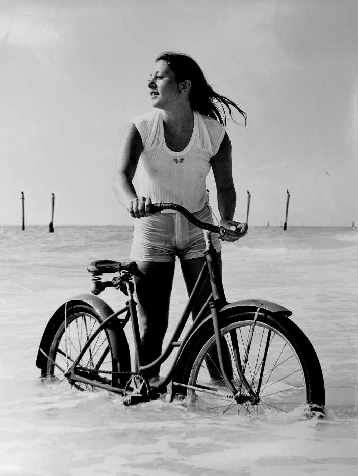 bicycle-girls-pictures-30