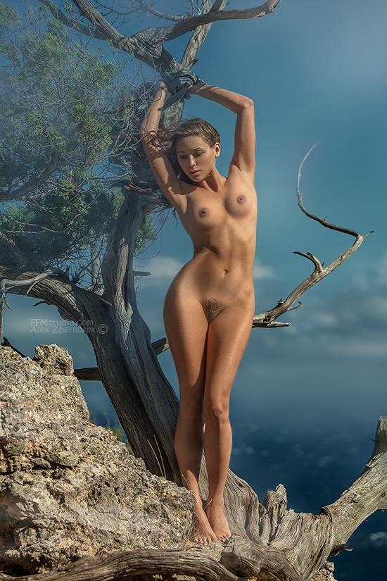 gadinagod_girls_naked_pictures_Alex Zhernosek
