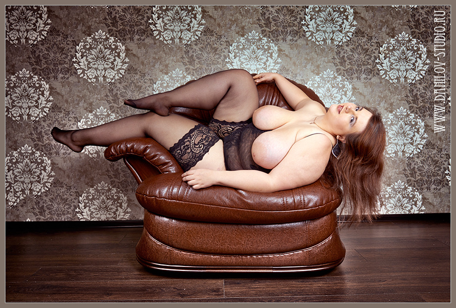 gadinagod_girls_naked_pictures_fatty_019.jpg