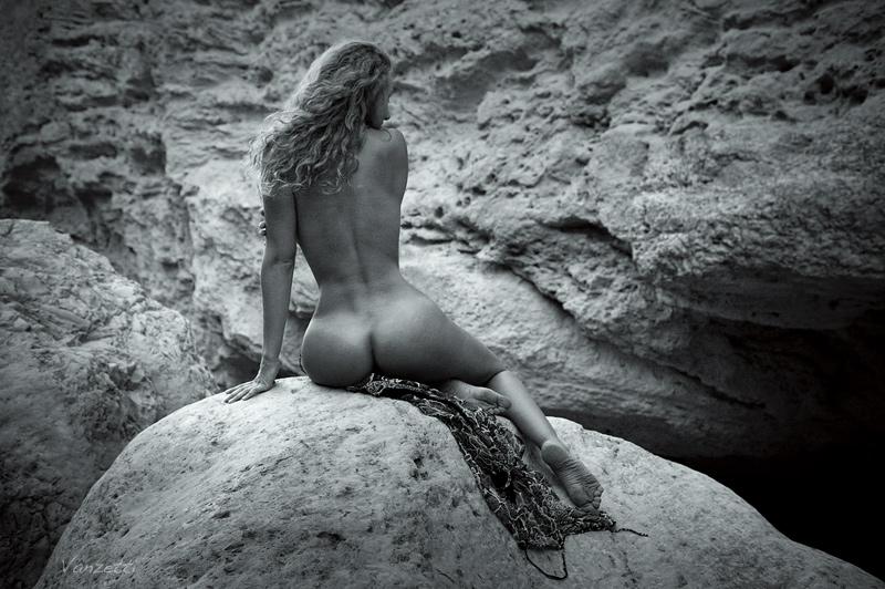 gadinagod_girls_naked_pictures_VANZETTI