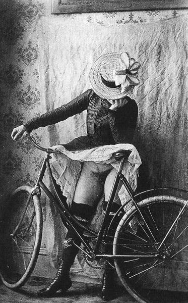 bicycle-girls-pictures-54