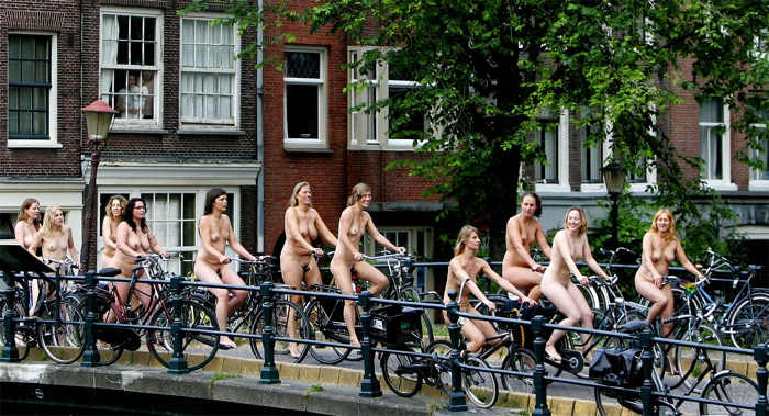 bicycle-girls-pictures-55