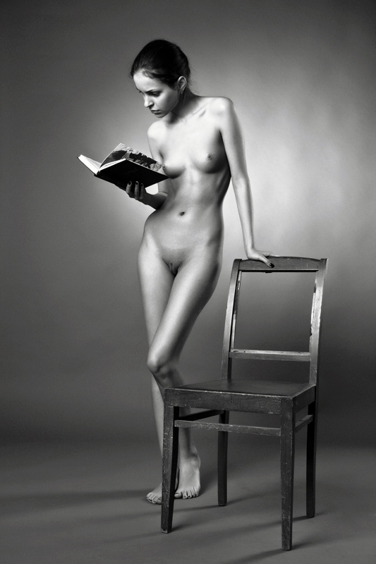 gadinagod_girls_naked_book_02