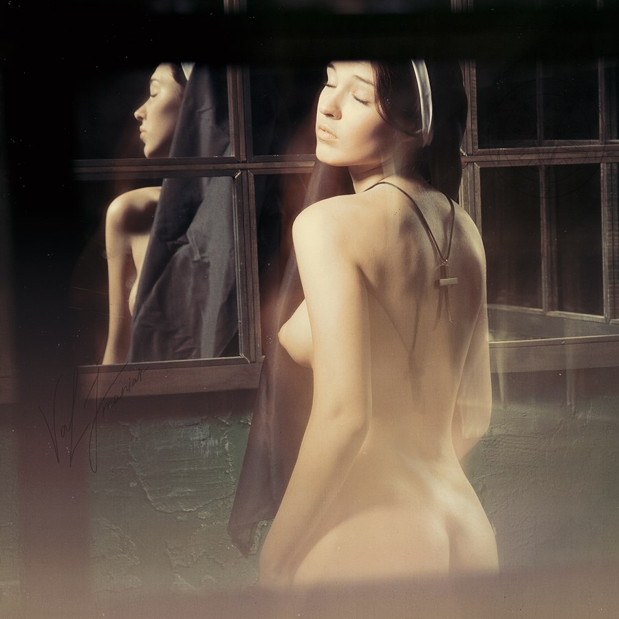 gadinagod_girls_nude_nun