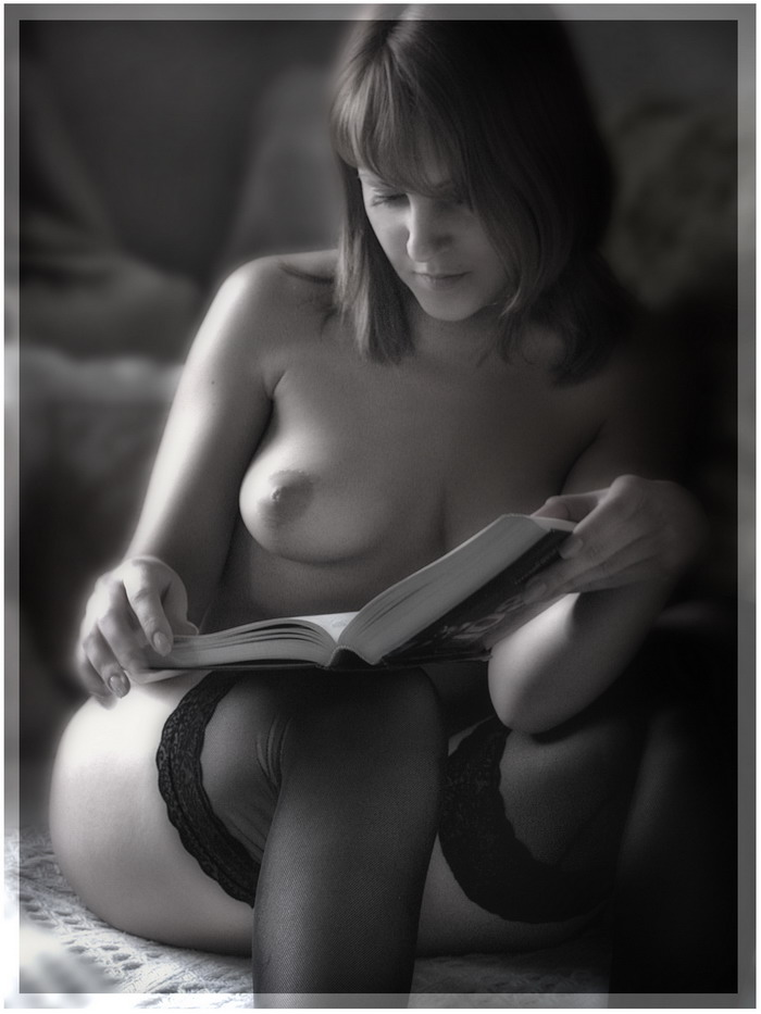 gadinagod_girls_naked_book_10
