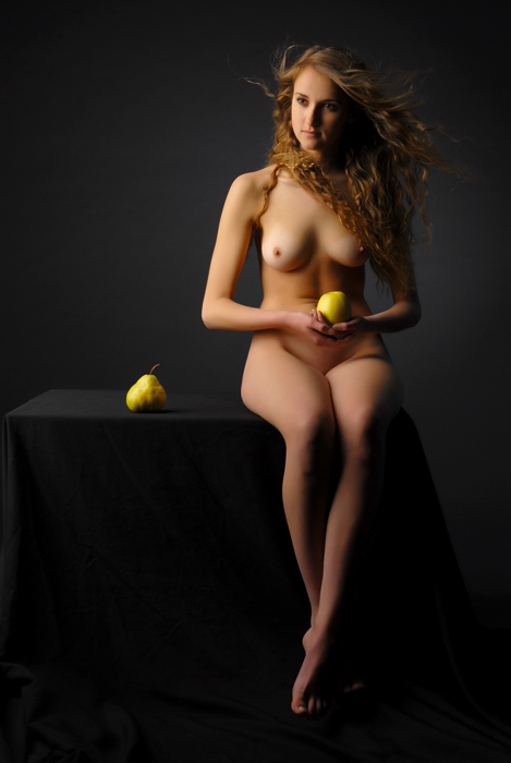 gadinagod_girls_naked_apple_12