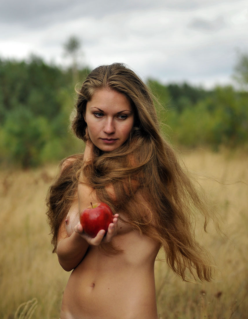 gadinagod_girls_naked_apple_20