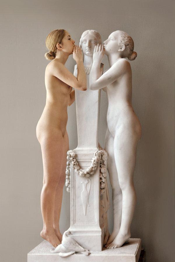 10 августа 1793 впервые Лувр открылся для публики как национальный художественный музей
