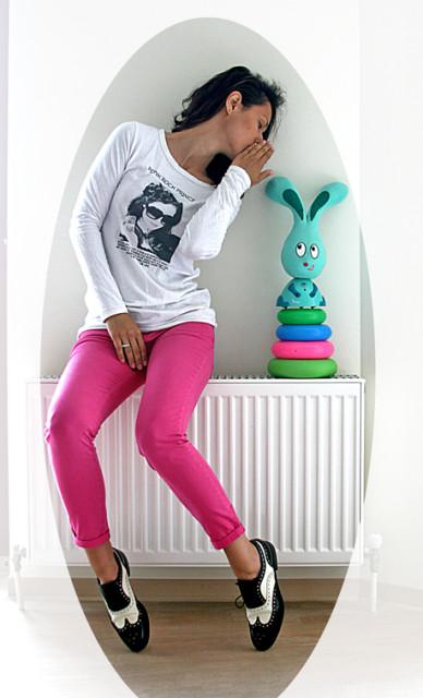 pink jeans, oxfords, gossips, gossip girl