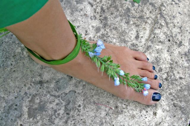 колокольчики на сандалях