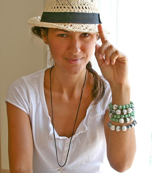 шляпа Федора, браслеты бирюза, casual,