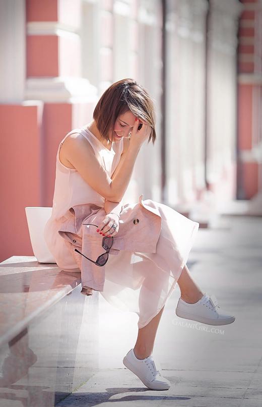 rose+quartz+outfit+ideas-for-spring_sheer-shift-dress-lookbook.jpg