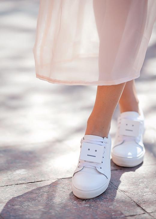 Acne-studios-Adriana-Leather-Sneakers-lookbook.jpg
