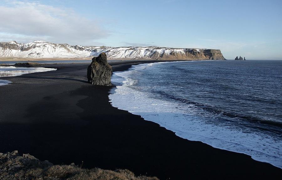 8 Великолепные  черные  пески  на   южном  побережье