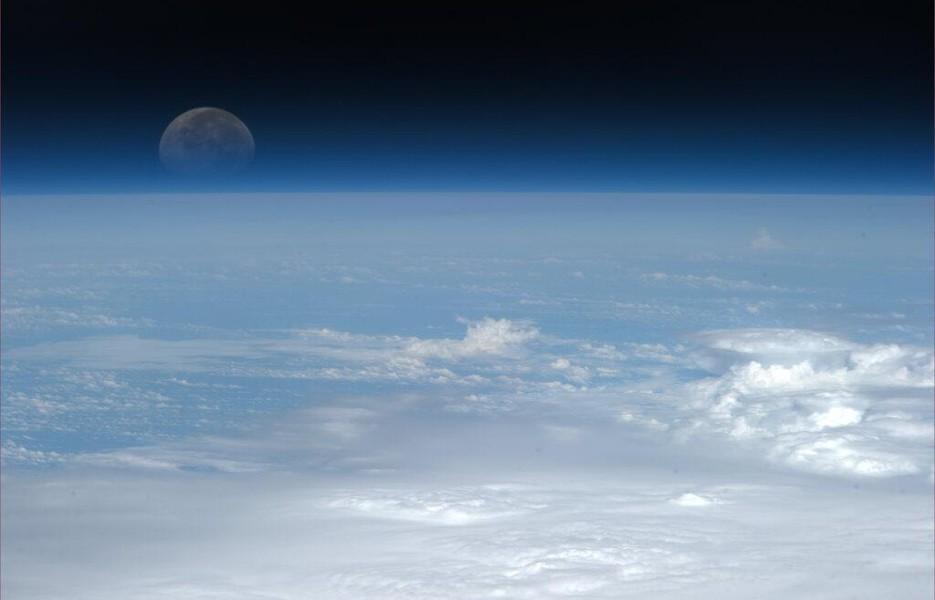 moonrise-935