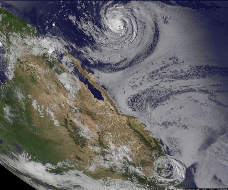15 Ураган Фабио в Тихом  Океане