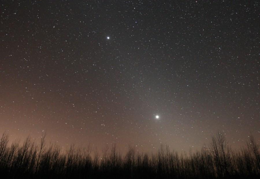 3 Zodiacal-light-Jupes-Venus-Feb12_2012S-1024x708