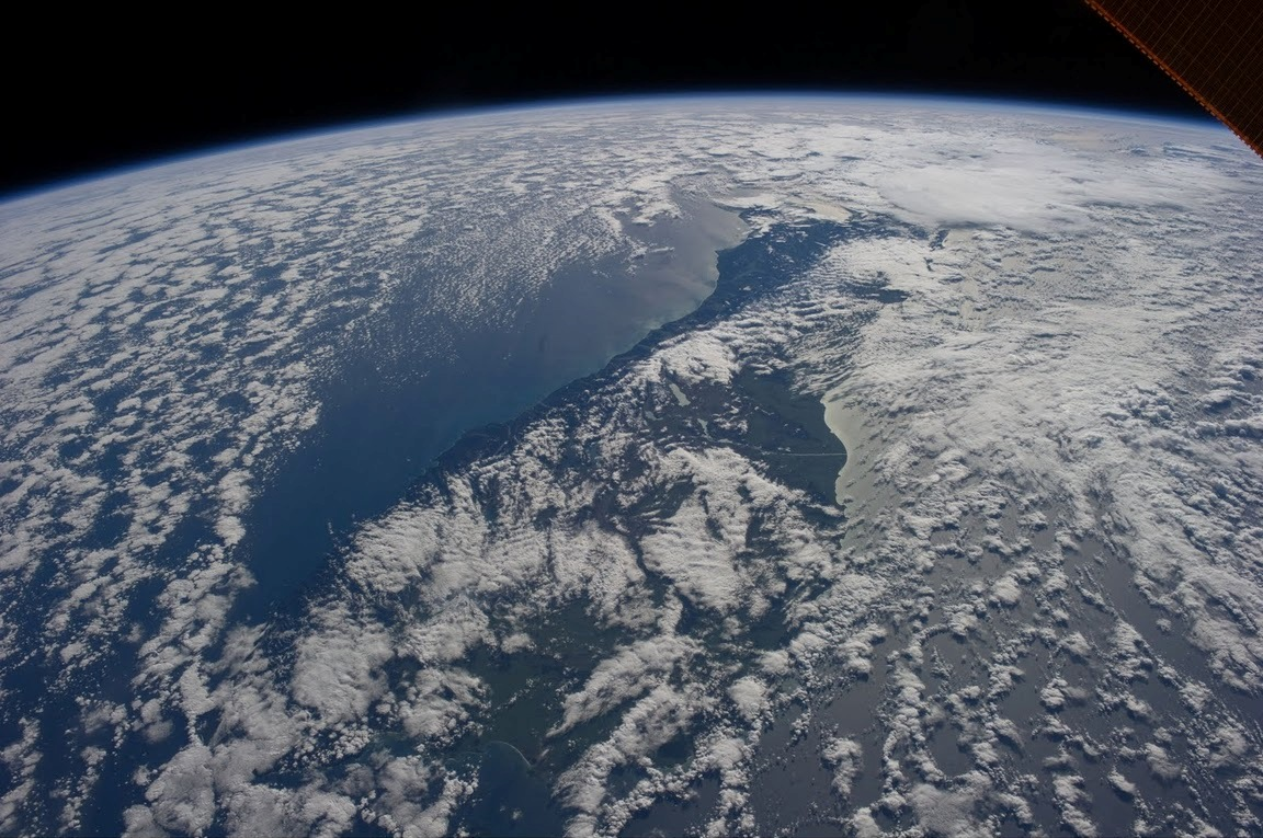 фото земли из космоса по годам