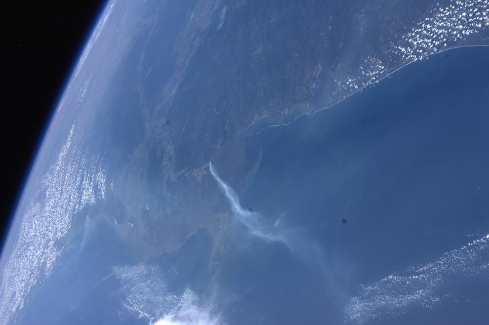 горящие болота недалеко от Нового Орлеана.