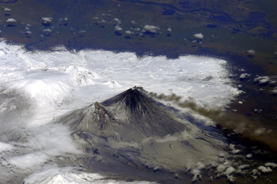 24 Действующий вулкан на Камчатке.