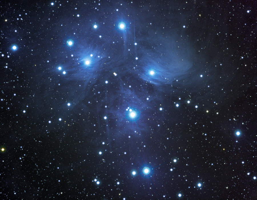 5 M45 in the night sky in December 2013