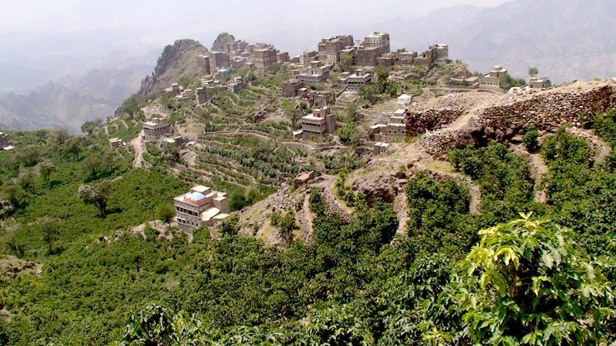 21 Руины старинной крепости на вершине горы в местечке Манаха, Йемен
