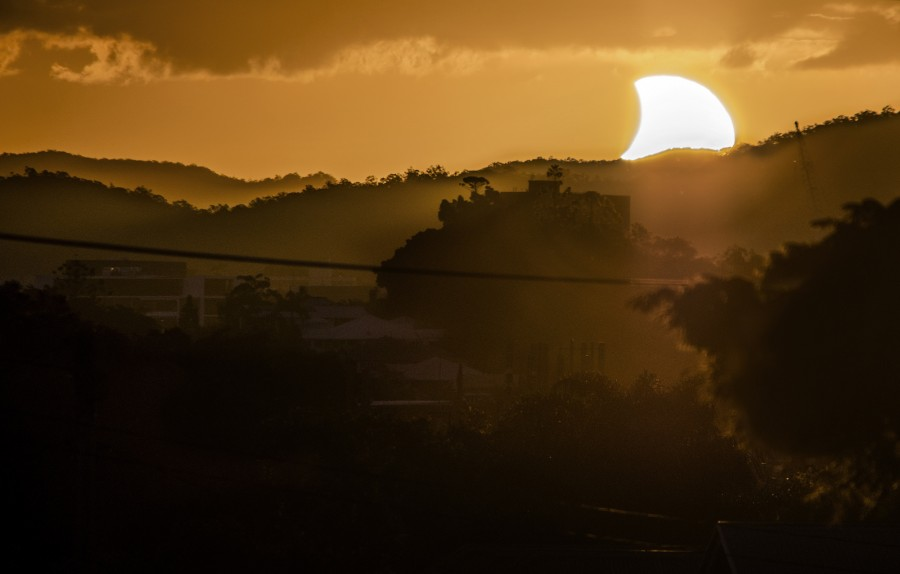 partial-solar-eclipse-cj-armitage-brisbane-australia