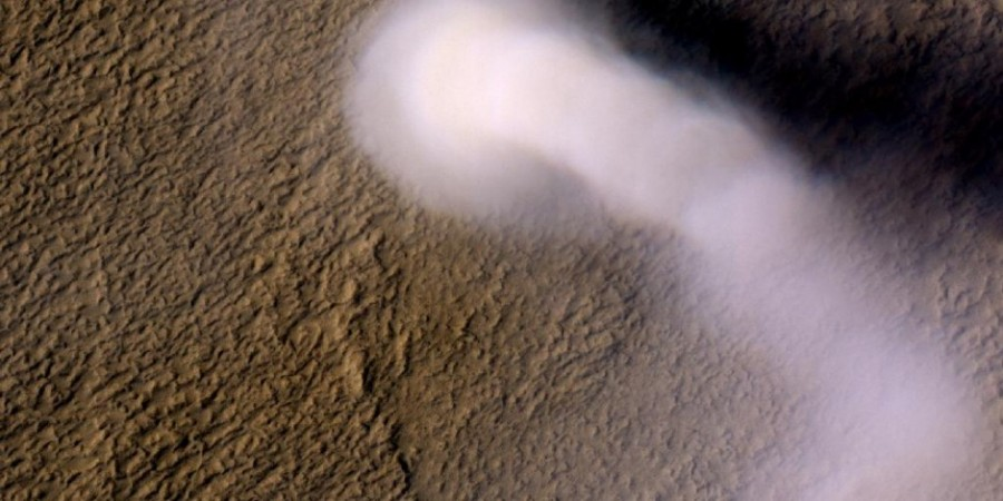 9 Пылевой  смерч на  Марсе
