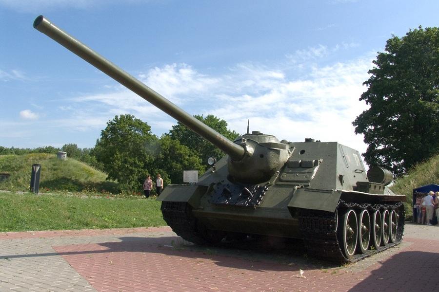 3 СУ-100