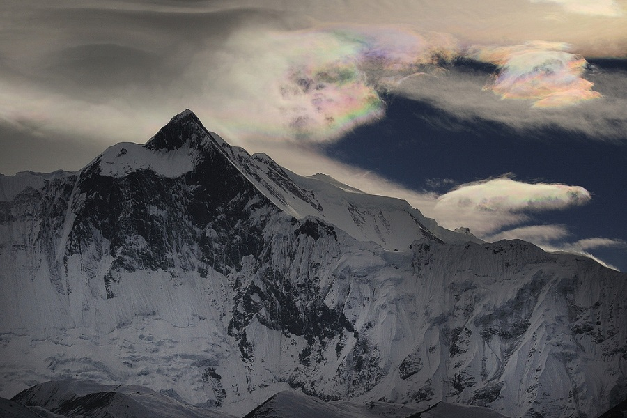 3 iridescent clouds