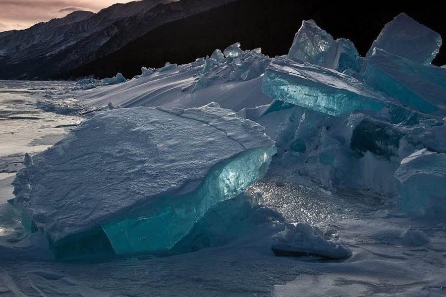 бирюзовый лед байкала фото володя, аверное