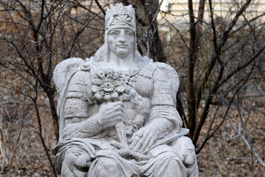 2 Statue_Tigranes_the_Great