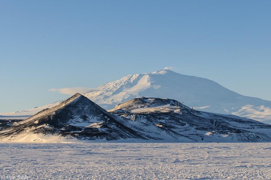 2 Остров Росс  и  вулкан  Эребус.jpg