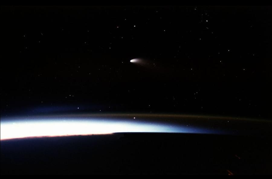 1 Comet Hale Bopp.png