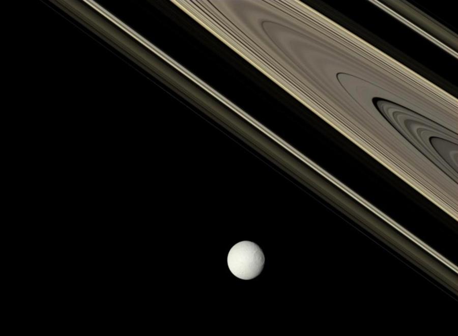 Сатурн  и Тефия.jpg