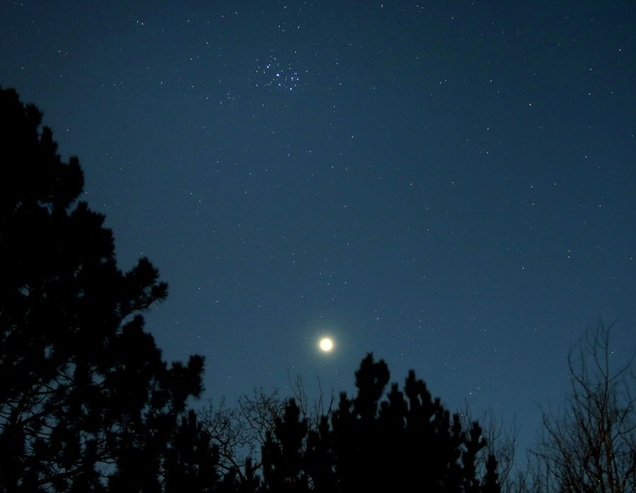 2 Venus-Pleiades-April-4_2015.jpg