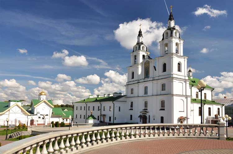 Кафедральный собор Сошествия Святого Духа в Минске.jpg